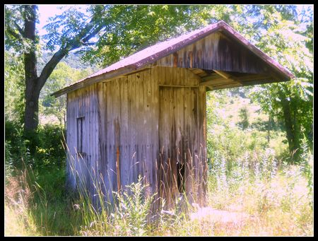 Outhouse next to Red Bridge Liverpool